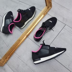 Sneakers-black-fuschia-veter-