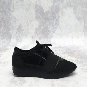 zwarte sneakers blackout sneakers