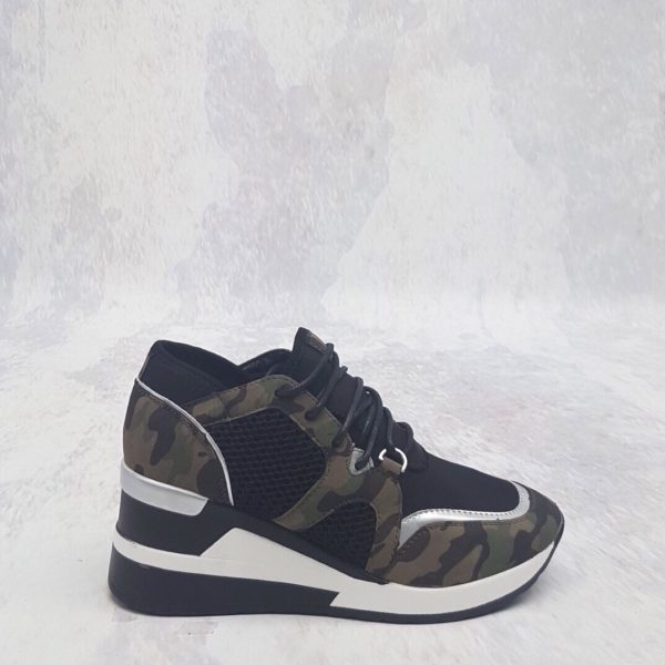 ARMY GREEN CAMOUFLAGE SNEAKERS