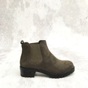 green-chelsea-boots